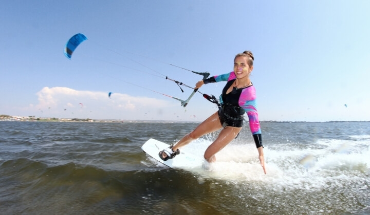 girl kitesurfing in sicily